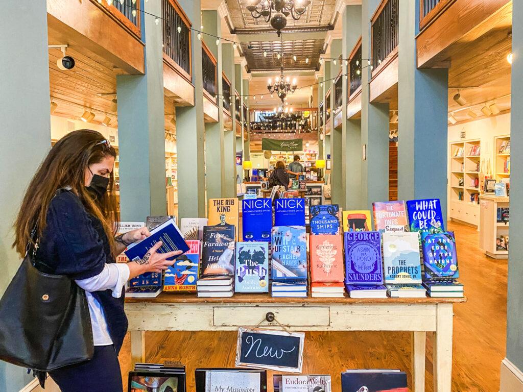 Turnrow Books 360 ATL Traveler
